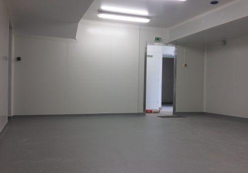 pose-revetement-sol-souple-PVC-antiderapant-gerflor-tarasafe-super-dove-grey-cuisine-collective-marignane