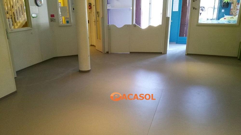 Pose à plat revêtement de sol PVC Gerflor Mipolam Crèche Roquevaire - Pacasol